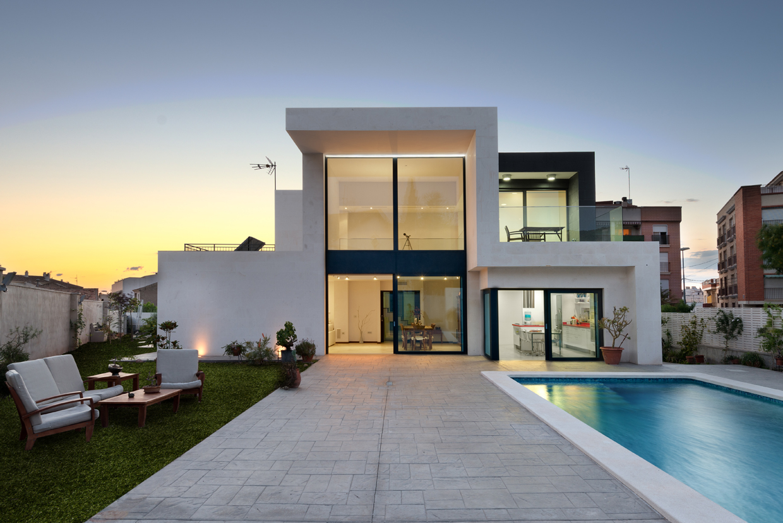 El sector inmobiliario en el 2015 iccor for Casas nuevas minimalistas